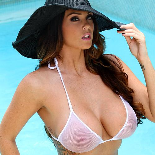 Surprise nude photos